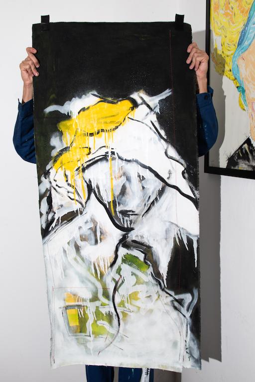 Acrílica, costuras, spray sobre ( Sobras de Cortinas ) 1,38 x 62cm. 2018